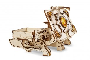 Mechanical model The Amber Box