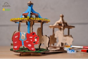 Mechanical model Merry-go-round