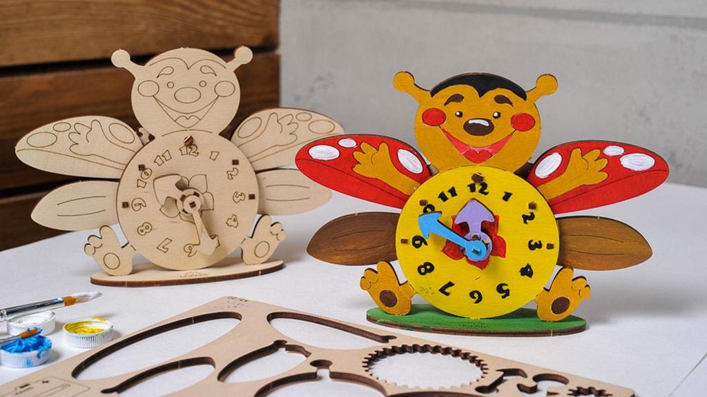Mechanical model Clock
