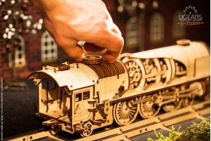 Mechanical model V-Express Steam Train with Tender